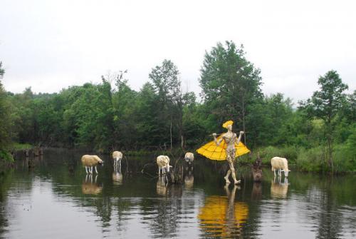 Водна паша - овце ходят по вода край осиковица. изложба на Павел Койчев