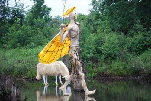 - овце ходят по вода край осиковица. изложба на Павел Койчев