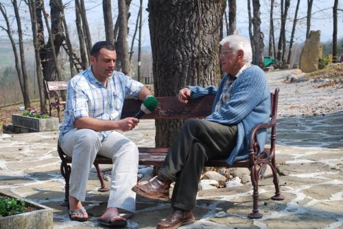 Юксел Кадриев разговаря с д-р Васил Ангелов